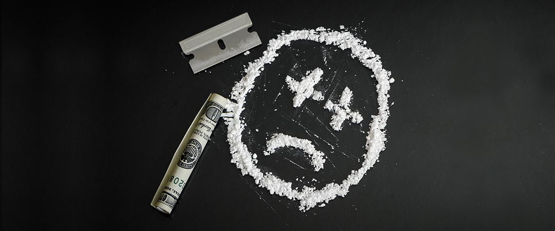 Kokain auf Tablett